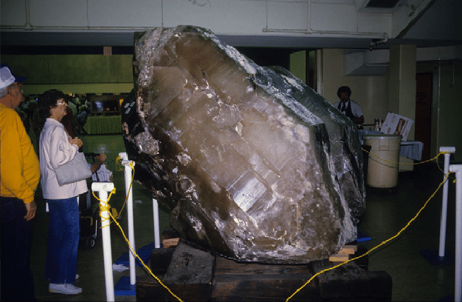 Giant-euhedral-doubly-terminated-8800-kg-quartz-crystal-from-the-Karibib-district.png